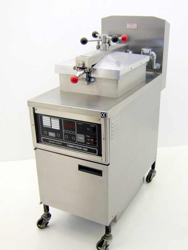 Henny-Penny-500C-Computron-7000-Pressure-Fryer-Front-Angled