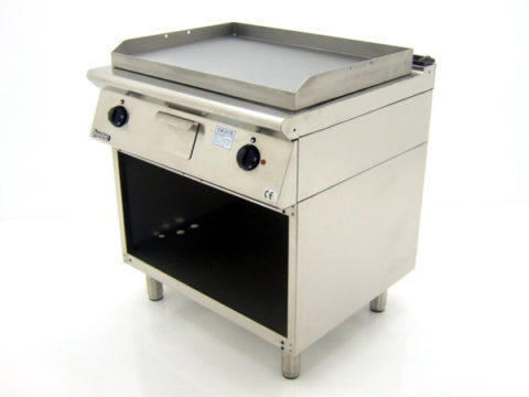 Mareno-FT7-8EL-Freestanding-Griddle-Front-Right
