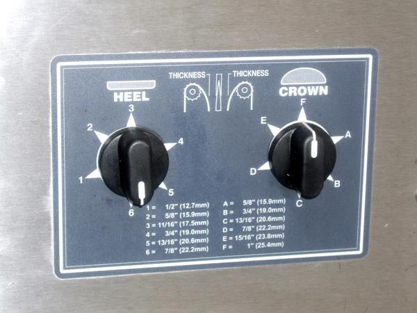Roundup-VCT-2000-Bun-Toaster-Controls
