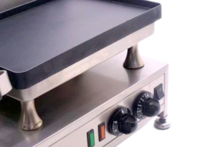 Silesia Velox Double Contact Grill Controls
